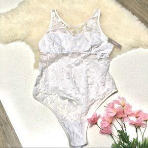 Gorgeous lacy bodysuit with boho vibe 🦋✨BNWT